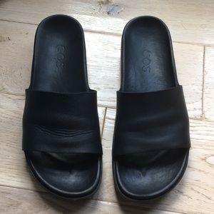 COS Black Leather Slides. Size 39